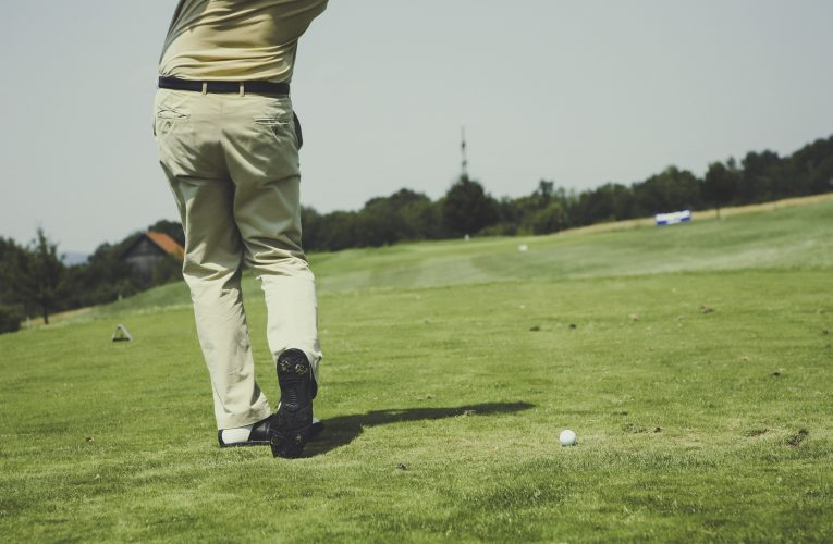 What Is The Best Clothing Items For Cold Weather Golfing?